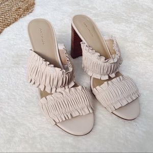 NWT Ann Taylor Hartley Leather Ruffle Block Heel